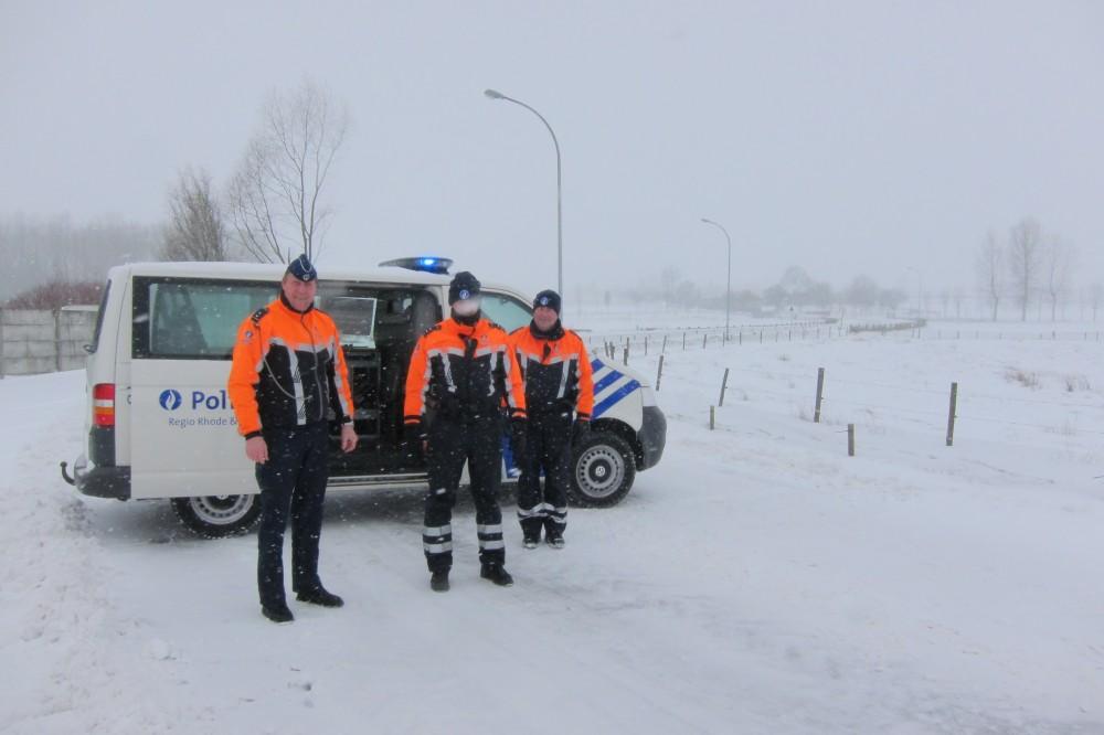 De Landskoutersesteenweg was op dinsdagmorgen 12 maart een tijdlang onderbroken na hevige sneeuwval en een paar ongevallen