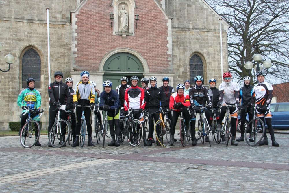 de Rhoderenners voor het vertrek van hun eerste rit begin maart