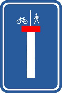 het nieuwe verkeersbord verduidelijkt dat voetgangers en fietsers verder kunnen op het einde van de 'doodlopende' straat