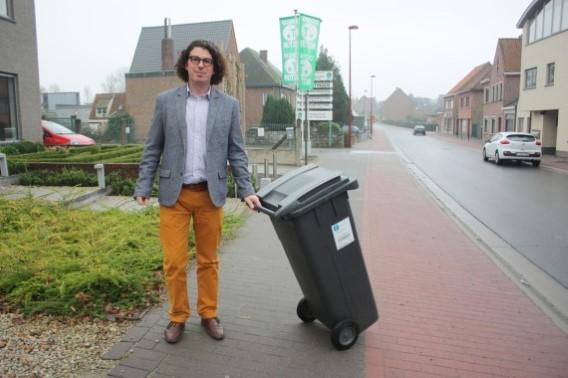 Filip Michiels (Open VLD plus) berekende dat de prijsverhoging voor restafval kon beperkt worden tot de helft (foto DPW Nieuwsblad)