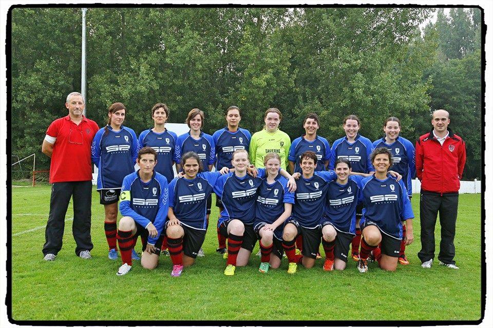 de Landskouter Ladies bij de start van het voetbalseizoen 2014-2015