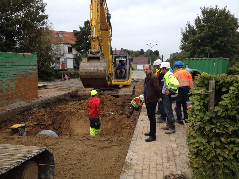 De rioleringswerken in Moortsele (foto facebookpagina gemeente van 20 oktober)