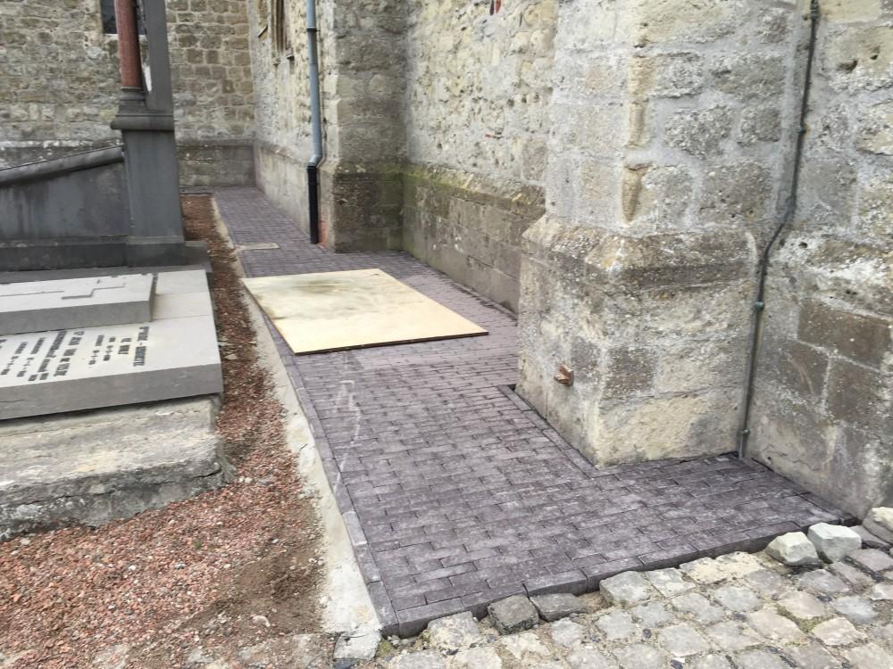 Pad langs de kerk wordt vernieuwd