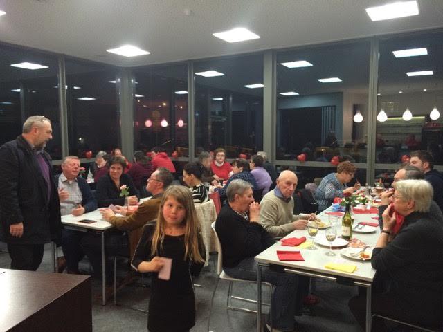 Burgemeester Van Durme op het eetfestijn van SK Ladies Landskouter op 19 februari in het IJzeren Hekken