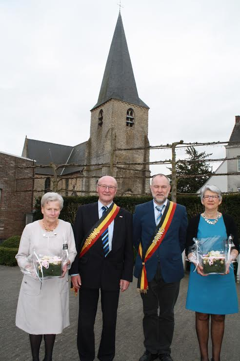 Koning Antoine en Prins Eric met echtgenotes, gevierd onder de kerktoren van Landskouter